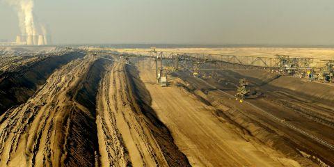 -open-pit-lignite-mine-janschwalde-close-to-atterwasch-christian-huschga.jpg