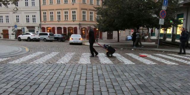 Roi Vaara: Grounding. Prague-vaara-grounding-prague.jpg