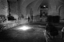 Anke Schulte-Steinberg: Lighting 2 — instalace (1995). Fotograf: Daniel Šperl