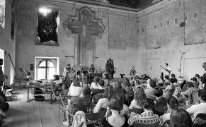 Erhart Hirt, Alan Pavio, Martien Groeneveld: koncert — refektář (1995). Fotograf: Daniel Šperl