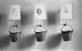 Peter Lelliott: Installation view, detail  — convent (1994). Fotograf: Daniel Šperl